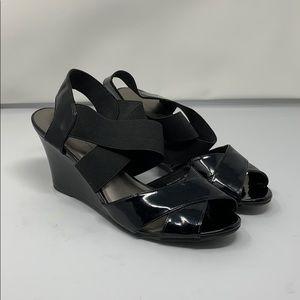 {Predictions}Sz7.5W Blk Patten LeatherStacked Heel